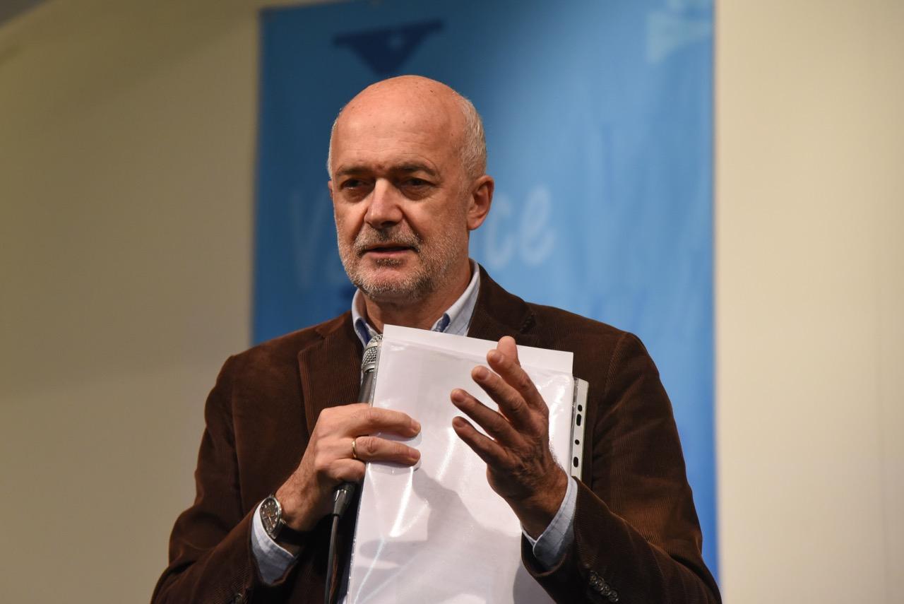 Il prof. Dario Nicoli